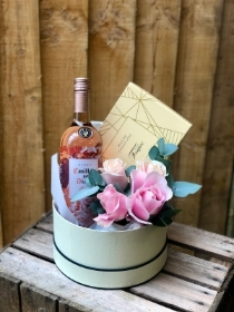 Luxury Rose Wine Gift Basket.