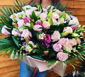 Luxury rose lily and lizzianthus handtied